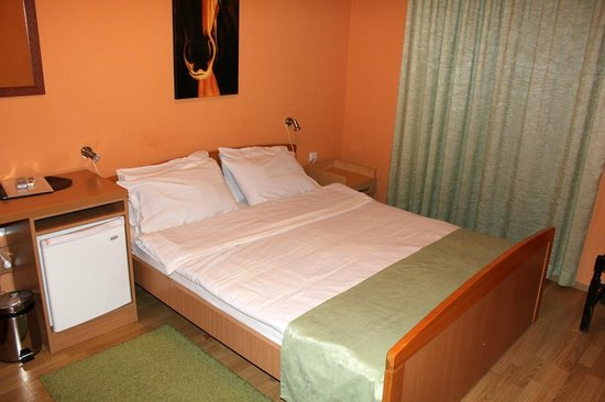 Hotel Galia: Room double bed