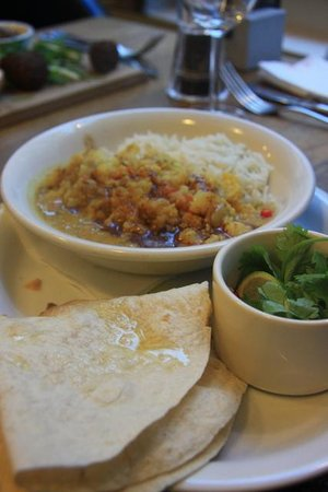 Three Birds - Cauliflower, lentil & coconut milk curry