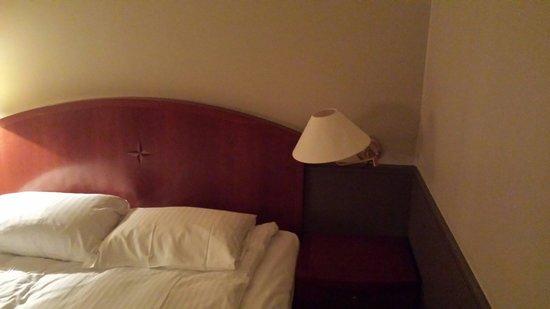 Radisson Blu Caledonien Hotel, Kristiansand : Nice lamps...NOT.