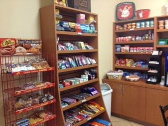 Candlewood Suites Mcalester: pantry