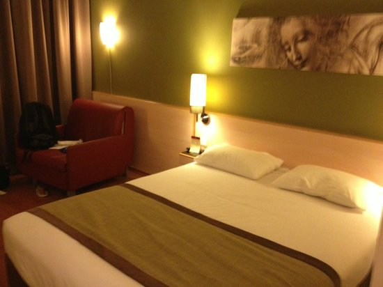 Leonardo Hotel Jerusalem: our double room 825