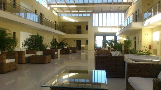Naias Hotel: Холл корпуса 2ой линии