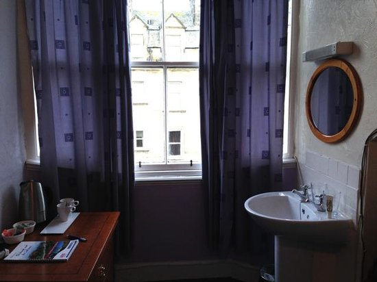 Valentine City Centre Guest House - Room 3, window with kettle and sink