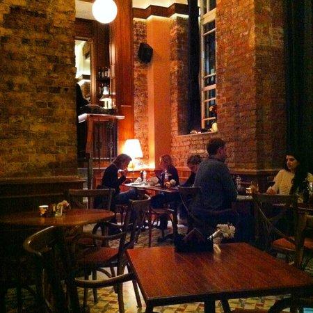 Corinne Hotel: Hazy snap of dining room