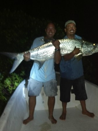 Barefoot Fisherman Expeditions : Raf, Eric, and the tarpon of a lifetime!