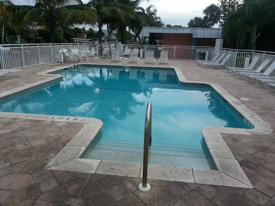 Matanzas on the Bay: Pool