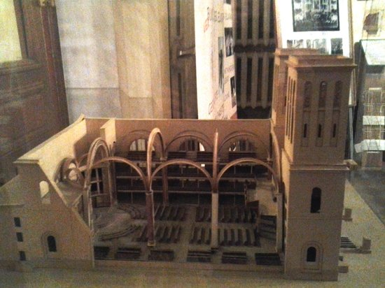 Lutheran Church of St. Peter: Макет: вид в разрезе