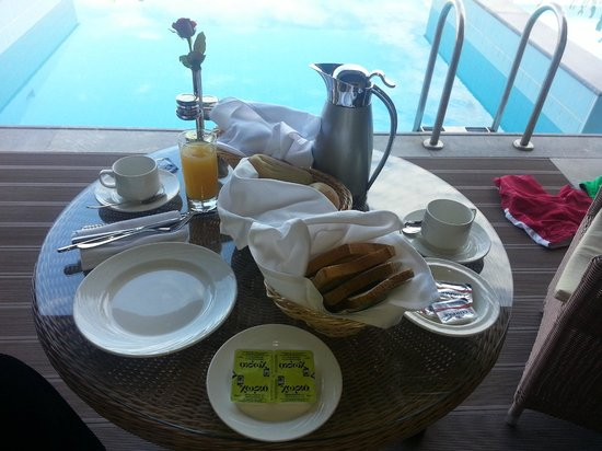 Daios Cove Luxury Resort & Villas: Breakfast in the room is recommended (but not as much choice as the main buffet)
