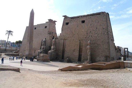 Avenue of Sphinxes: Luxor Tempel 2012