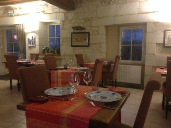 Auberge la Sansonniere : salle restaurant