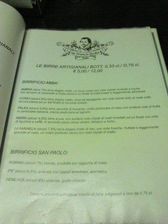 Sir Francis Drake Pub: Birre in bottiglia artigianali.
