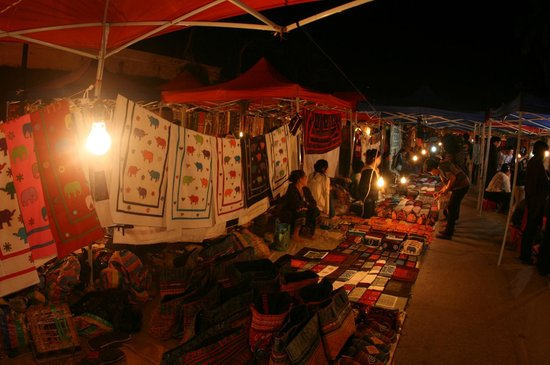 Travel To Laos: Beautfiul handcrafted textiles at the night market
