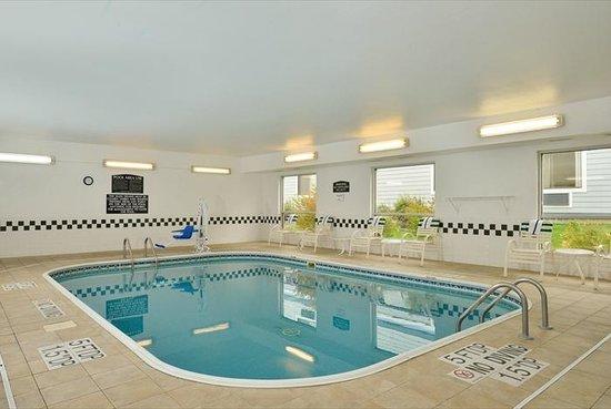 Baymont Inn & Suites Billings: Pool