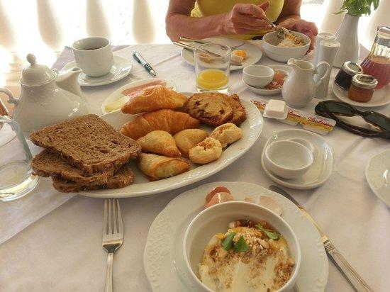 Hotel Palazzo Arhontiko Apartments : Breakfast