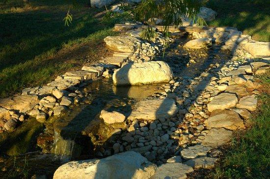 Barons CreekSide: nice landscaping