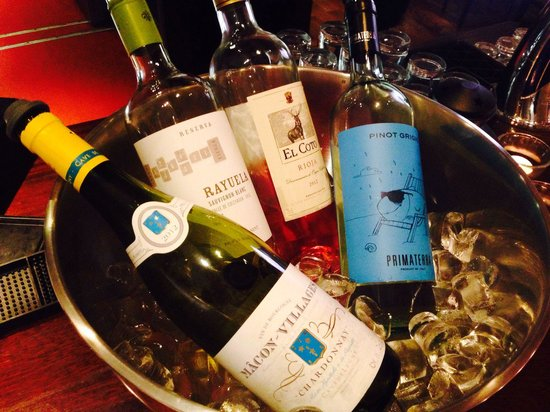 Sheries Cafe Bar: Chilled whites and rose, all available by the glass.... And this is only a selection!!