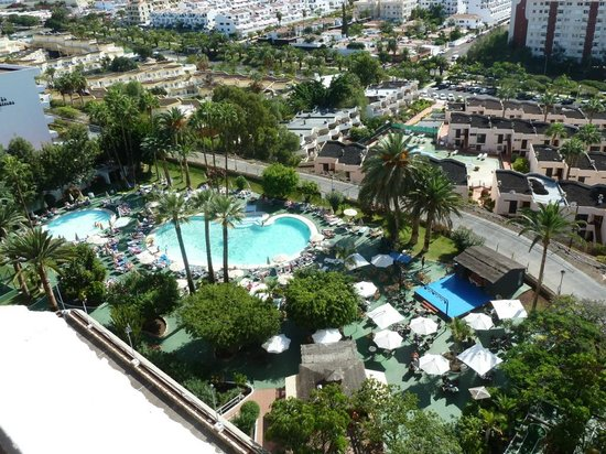 Hotel piscina picture of sol arona tenerife los for Piscina los cristianos