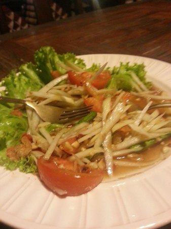 Tonnam Homestay : Plat préparé par Pom salade de papaye