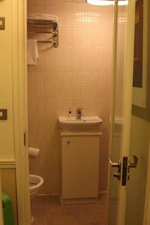 Cavendish Hotel- Bloomsbury : Ванная