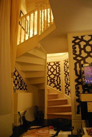 Castille Paris : inside of my room