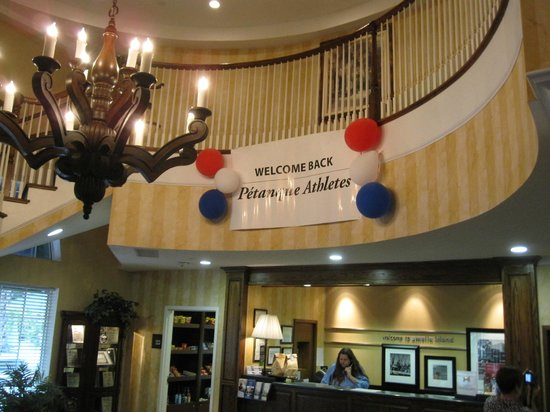 Hampton Inn & Suites Amelia Island-Historic Harbor Front : Welcoming atmosphere in the charming lobby