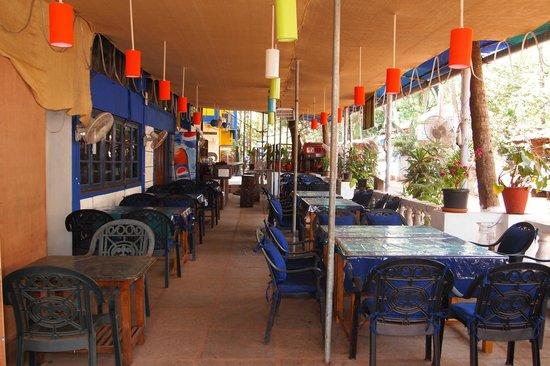 Falcon Resorts: Ресторан при отеле
