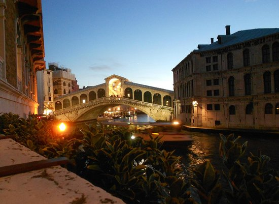 Al Ponte Antico Hotel: View from the hotel terrace 2