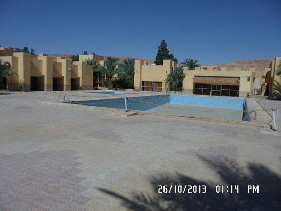 Hotel El Djanoub: piscine hors service