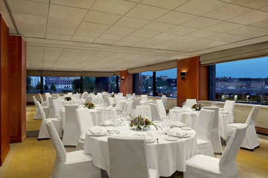 Sheraton Stockholm Hotel: Haga banquet room in dinner setup