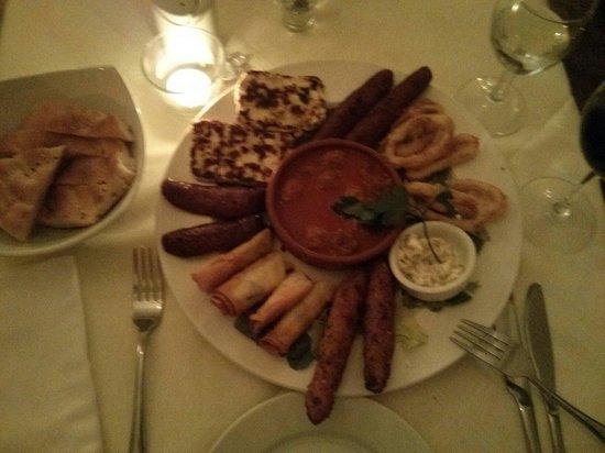 Konak Meze Turkish Restaurant : Hot Meze, very nice: perhaps could do with more Tzatziki or similar...