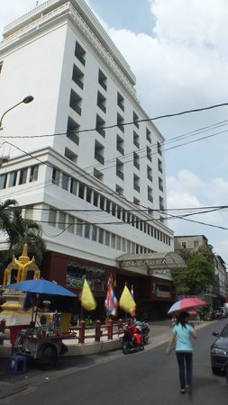 Silom City Hotel: fachada hotel