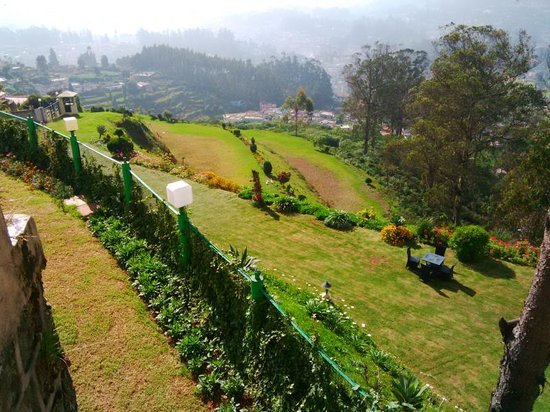 Sinclairs Retreat Ooty: Manicured Landscapes