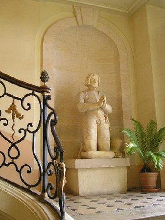 Château d'Etoges : Dans le Hall du Chateau d Etoges