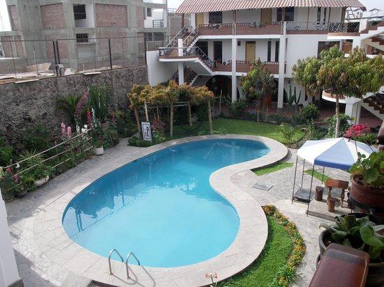 Hotel Alegria: Plouf