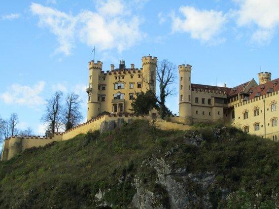 Schloss Hohenschwangau: Вид с дороги