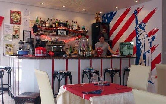 Uncle Sam's American Diner: Bar