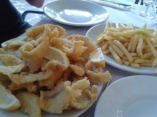 Idro, Italia: filetti di persico e patatine
