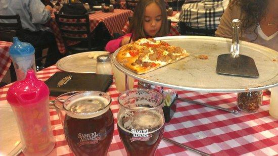 Grimaldi's Pizzeria - Fashion Show : Killing off a great pizza.