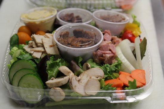 Eastwood Cafe: Crisp Salads and Dressings Made In-House