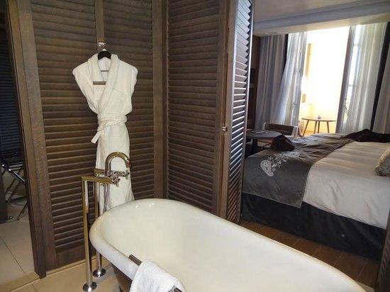 InterContinental Marseille - Hotel Dieu : Salle de bain / Chambre