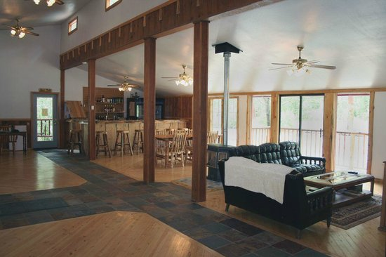 Little Salmon Lodge: The great room with beer and wine bar.