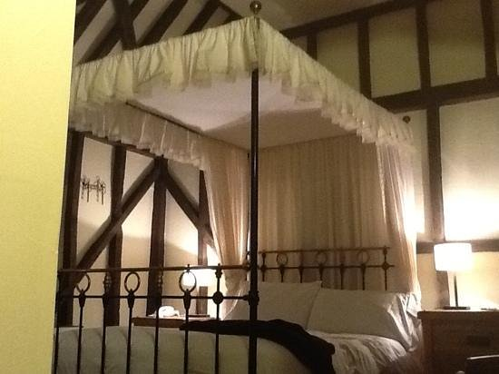 The Plough Inn: room 5