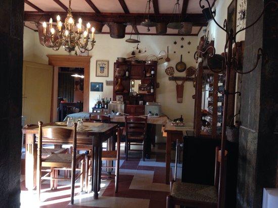 Osteria Villa San Donino: Saletta