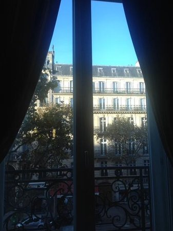 Hyatt Paris Madeleine : view to the front of the hotel