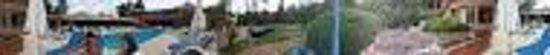 Rincon del Este Seaside Resort : Panoramica del complejo (jardines y pileta)