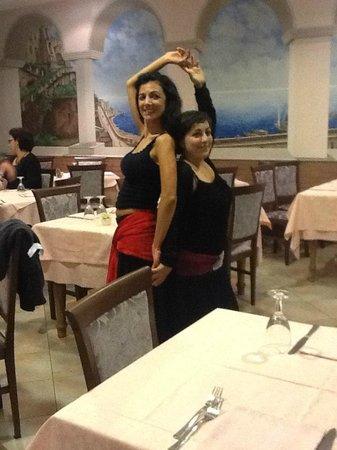 Ristorante Pizzeria Saverio: Le ballerine per la serata dell'11 Novembre 2013