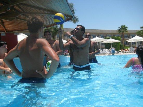 LABRANDA Royal Makadi: тот самый бар в бассейне :)