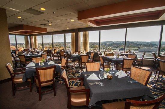 Crowne Plaza Restaurant Dayton Ohio