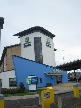 Holiday Inn Express Glasgow Airport : vue exterieur