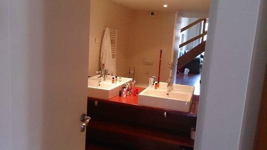 Le Domaine Du Palais des Eveques : Bathroom